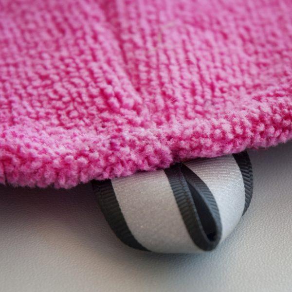 Chilly-Dogs-Bademantel-soaker-robe-Pink-detail-aufhaengelasche