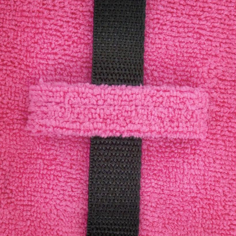Chilly-Dogs-Bademantel-soaker-robe-Pink-detail-gurtlasche