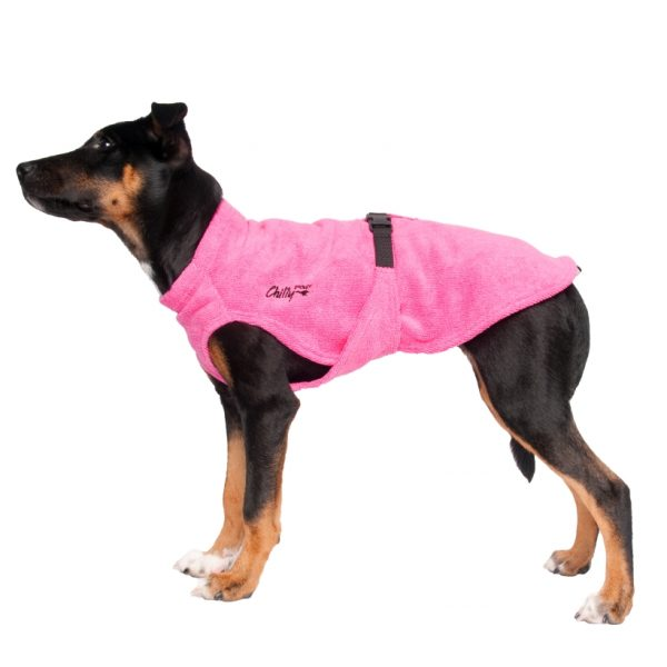 Chilly-Dogs-Bademantel-soaker-robe-Pink-hundewelpe-seitenansicht
